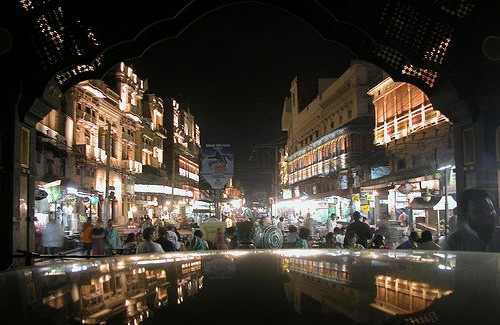 lahore-pakistan-night-street-scene-photo